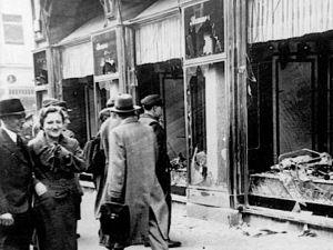 Men Shouting In Arabic About Killing Jews Disrupt London Kristallnacht Vigil