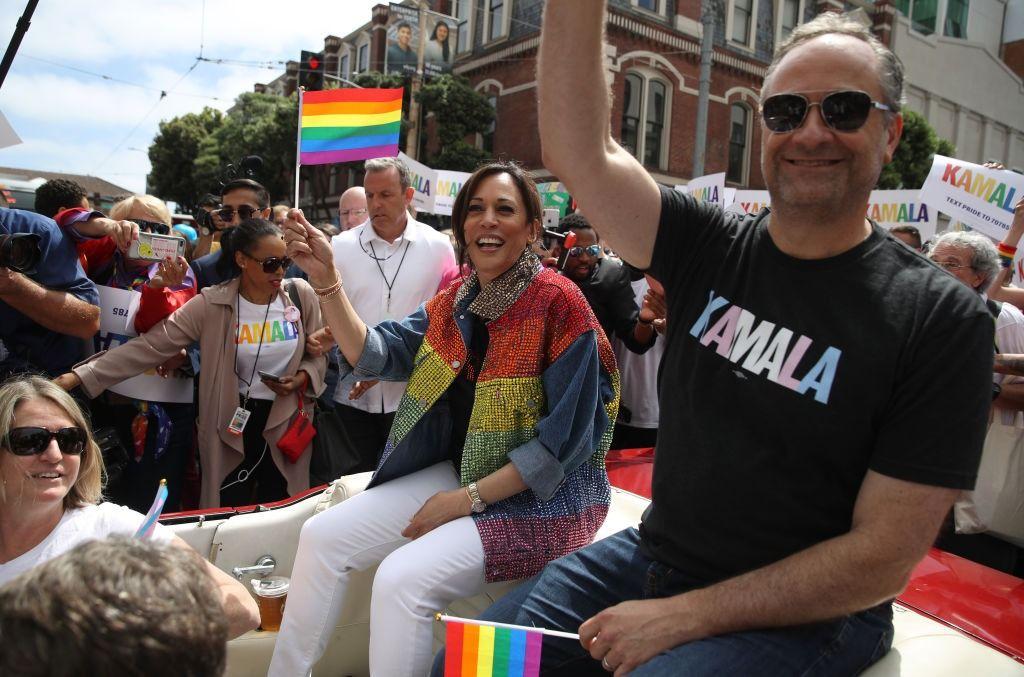 Kamala Harris Husband Doug Emhoff Is A Hot Jewish Dad The Forward
