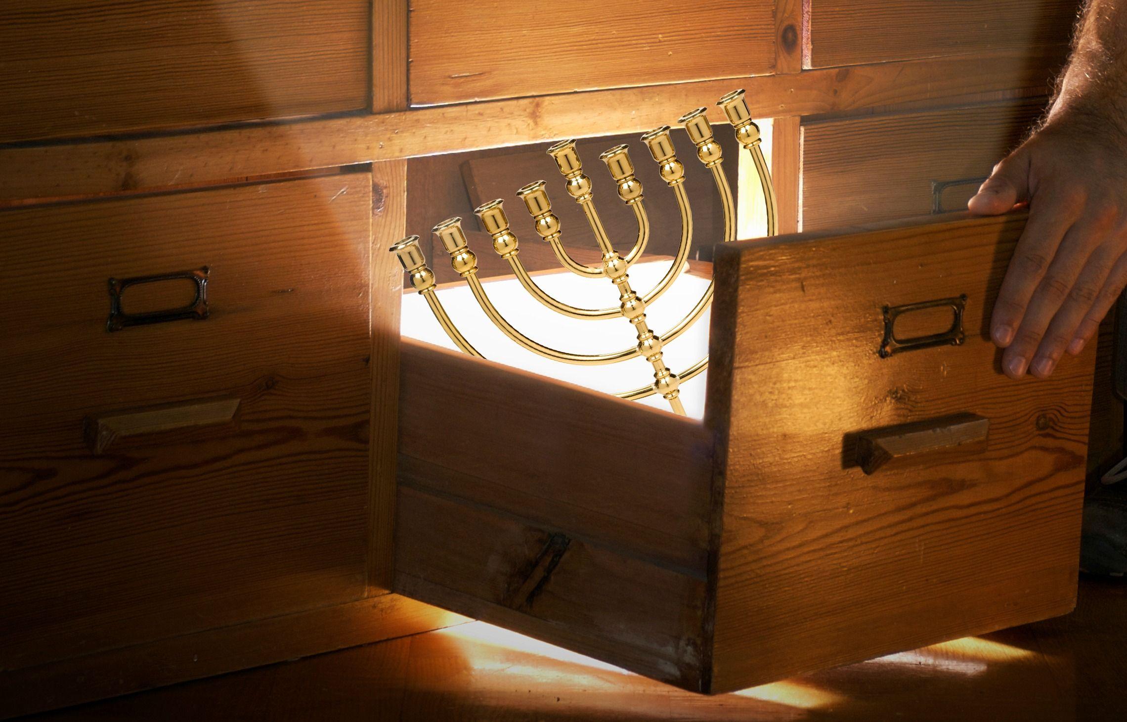 Alexandria Ocasio-Cortez Stokes Controversy With Claim Of Sephardic Ancestry