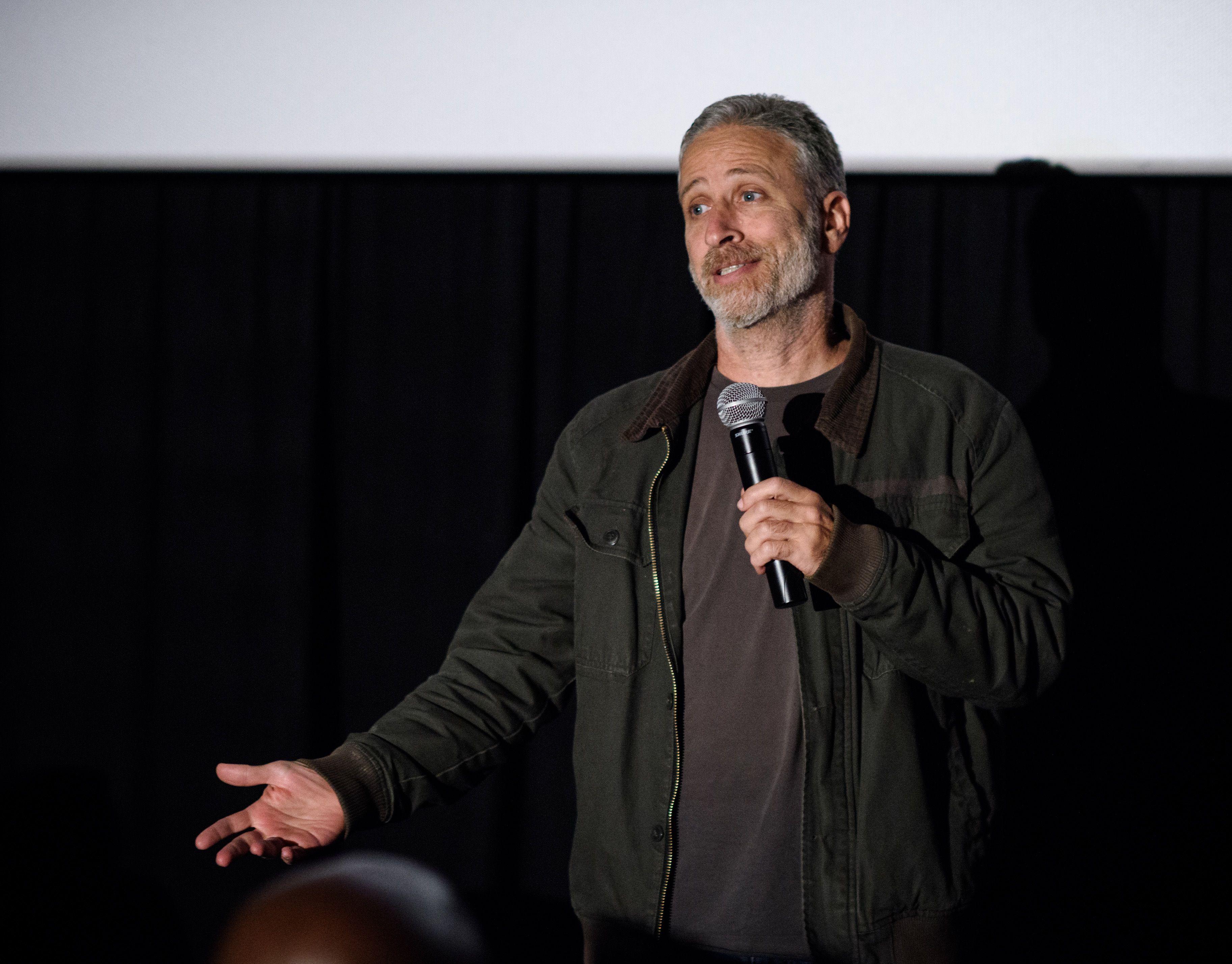 Jon Stewart Remembers Twitter War With Donald Trump, Aka \'F**kface ...