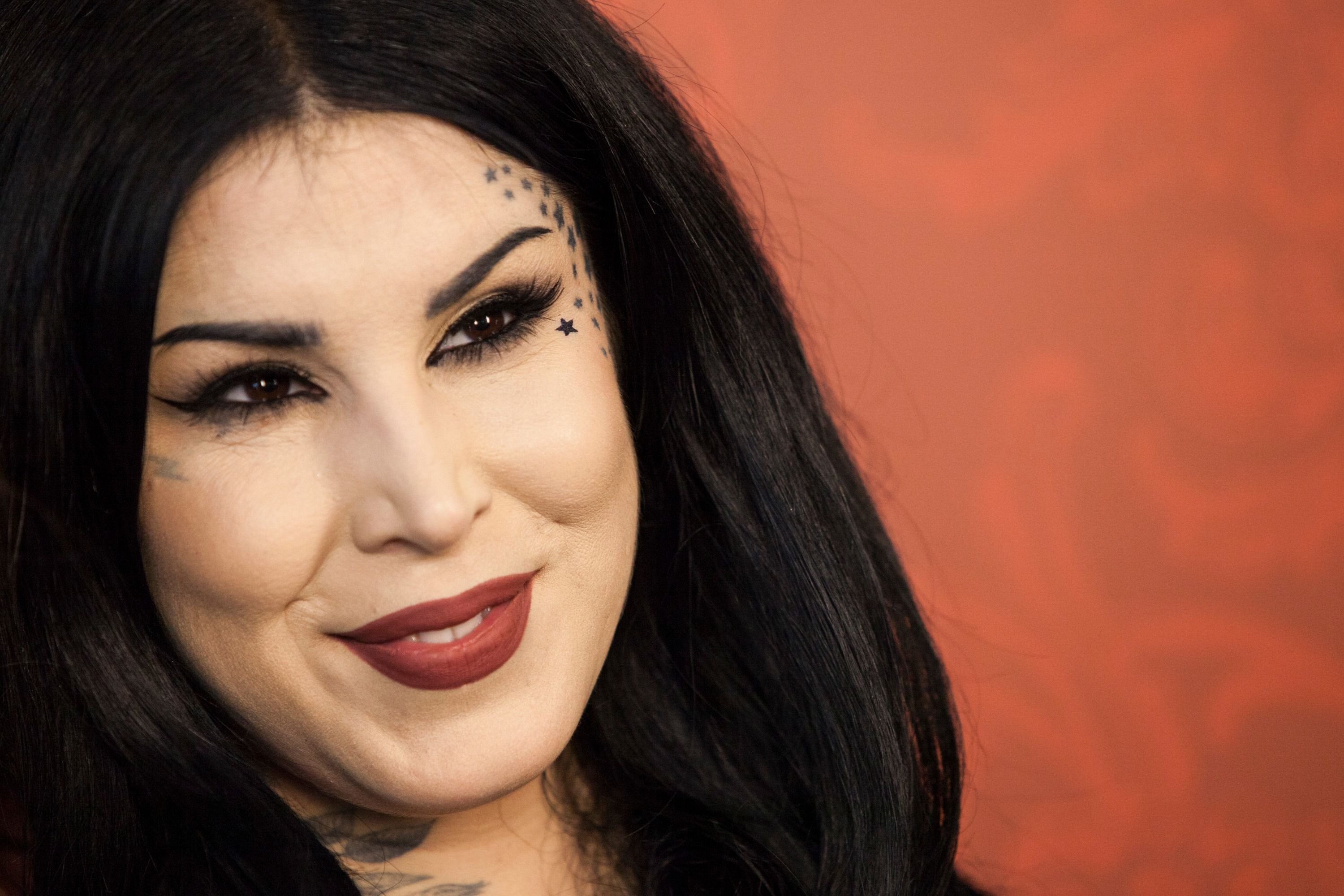Makeup Queen Kat Von D Is Anti Vaxxer And Anti Jew The Forward
