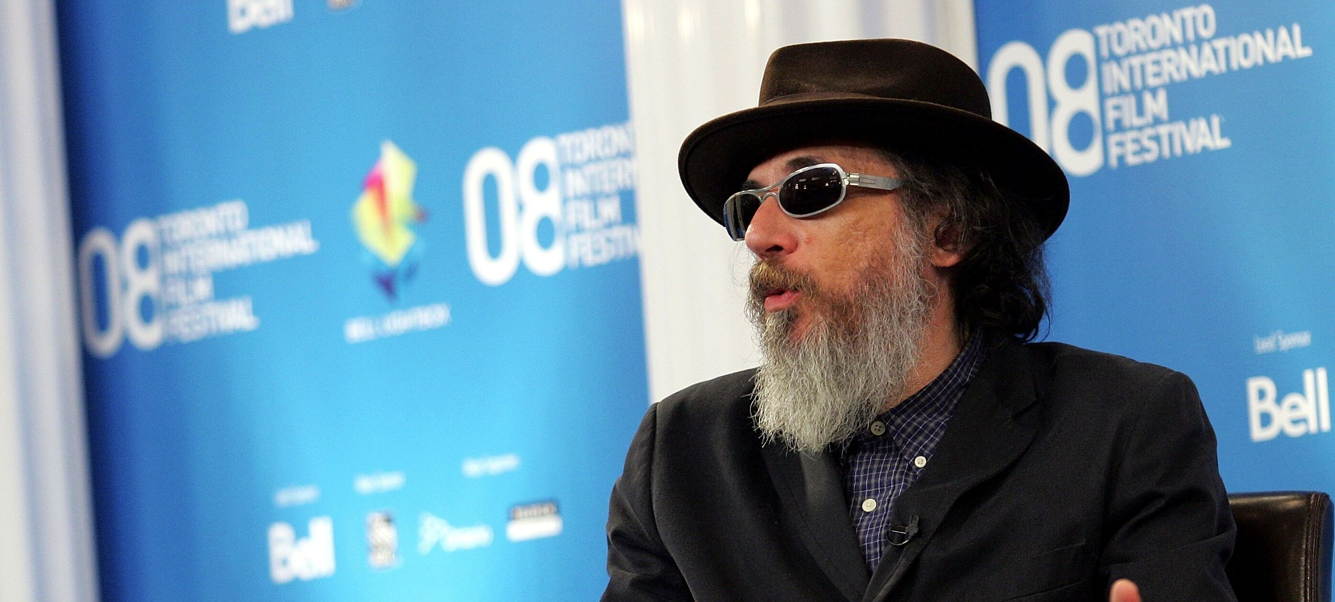 'Curb' Director Larry Charles Feared Getting Comfortable, Now He's Swapping Jokes With ISIS