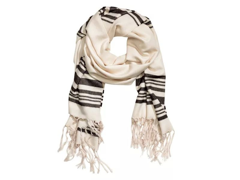 This Hm Scarf Looks Suspiciously Like A Tallit The Forward
