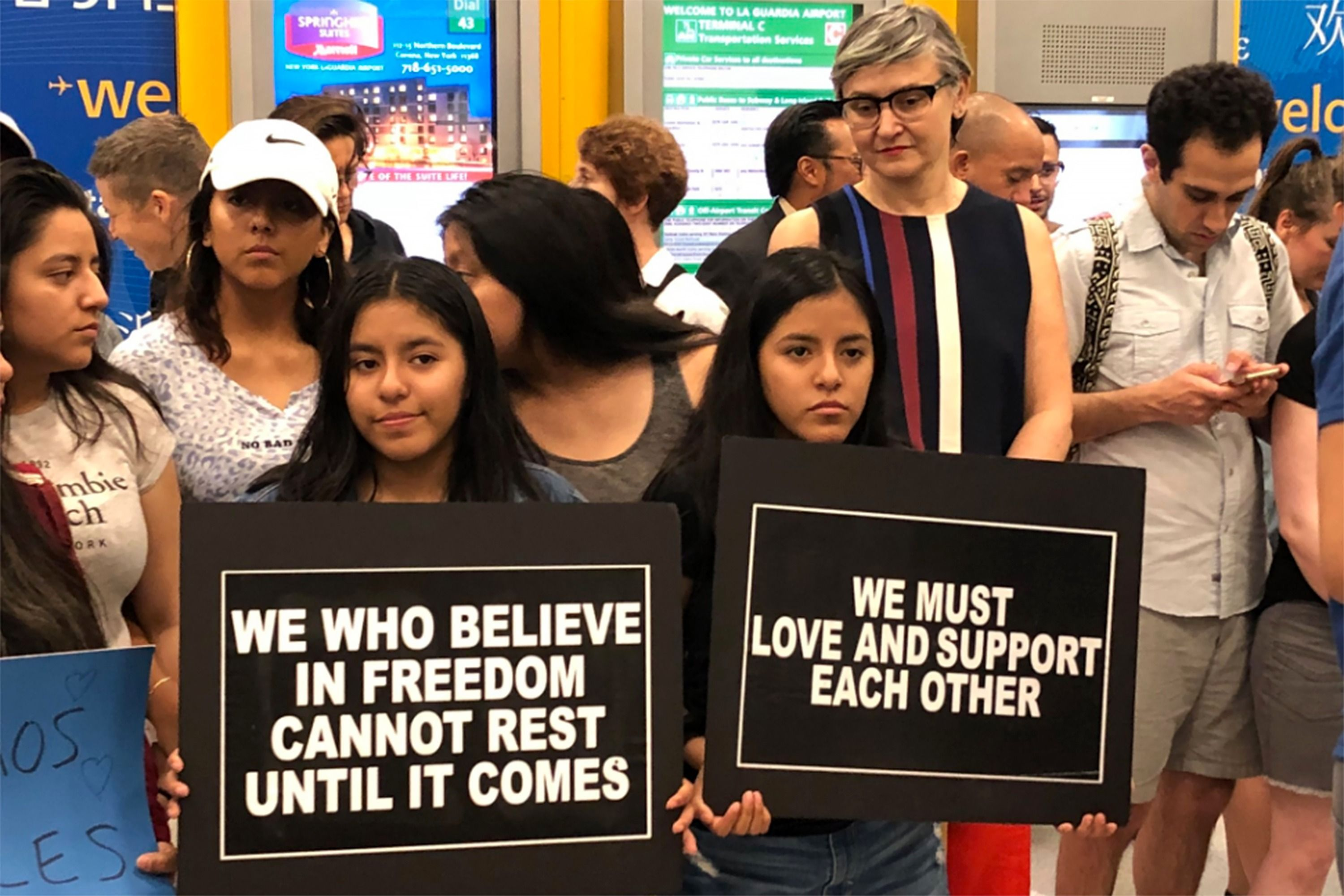 Jewish group supports separated children at laguardia the forward jewish groups lead protesters at laguardia airport to greet migrant children m4hsunfo