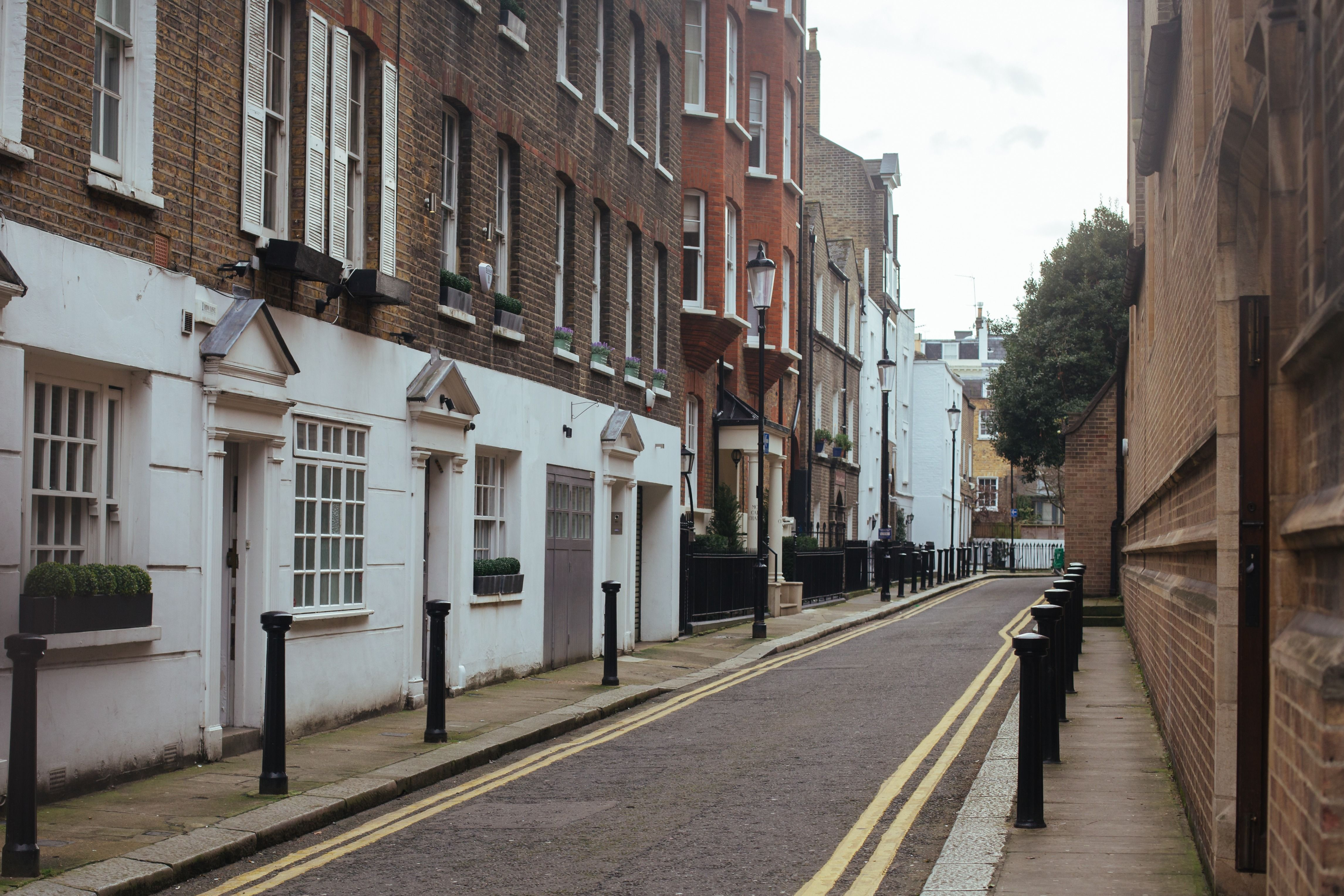 London Man Shoves Stroller, Calls Parents 'Dirty Jews' – The Forward