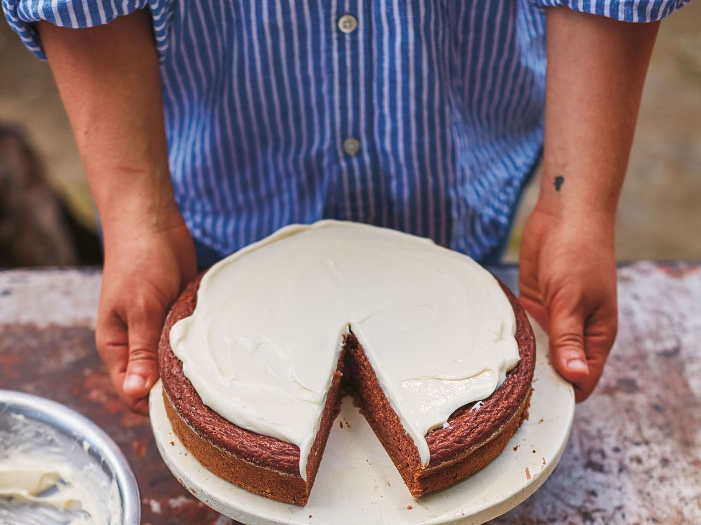 This Rosh Hashanah Applesauce Cake Recipe Is The Only One You'll Ever Need