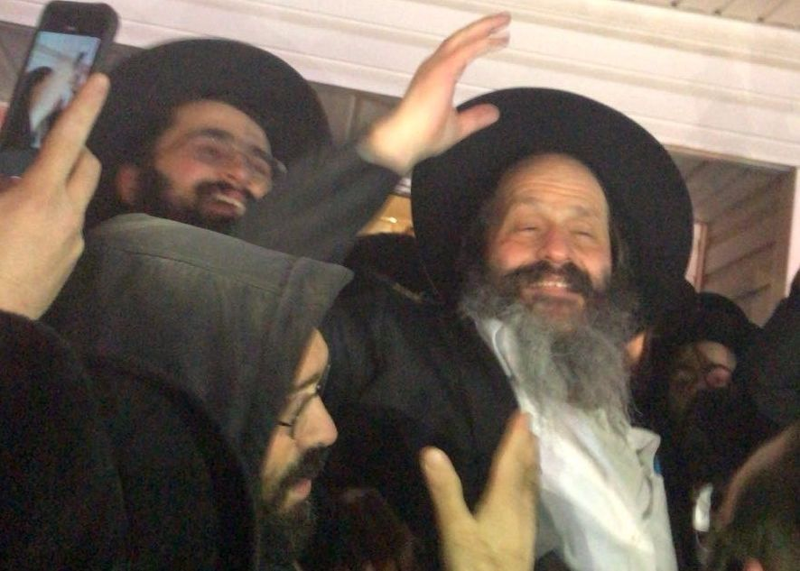 Trump thanked for rubashkin release by florida jews the forward sholom rubashkin was greeted by well wishers upon his return to his home in monsey m4hsunfo