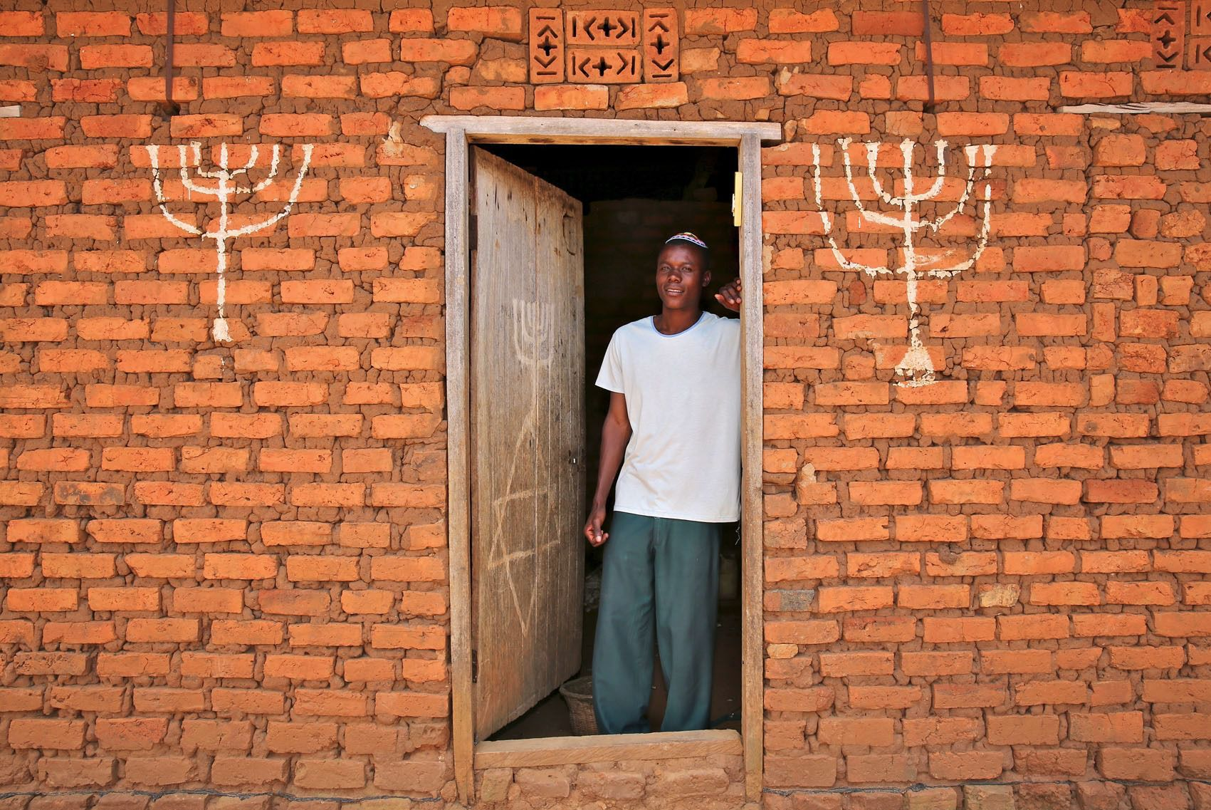 Look 10 stunning portraits of african jews the forward buycottarizona Images