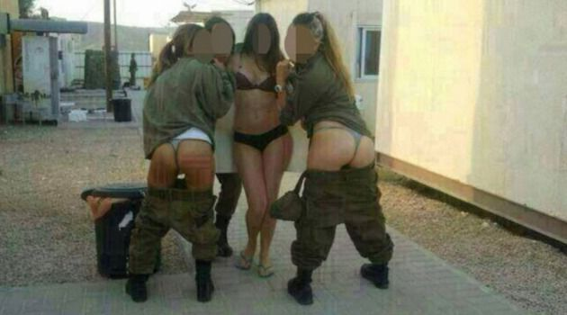 naked-miltary-women