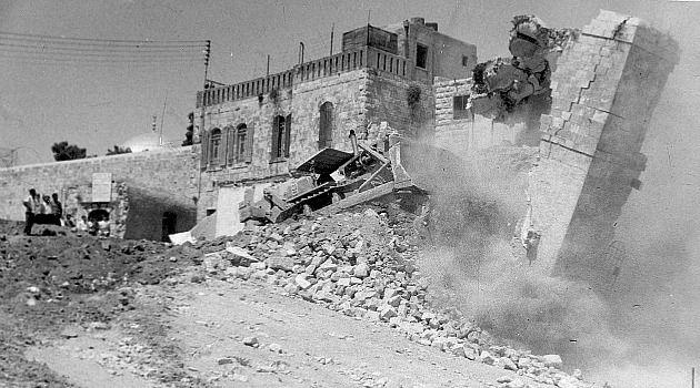 """w mugrabi 051713 1425653865 - """"Algunas de las masacres de civiles palestinos luego de la fundación del ente sionista de Israel en 1948"""""""