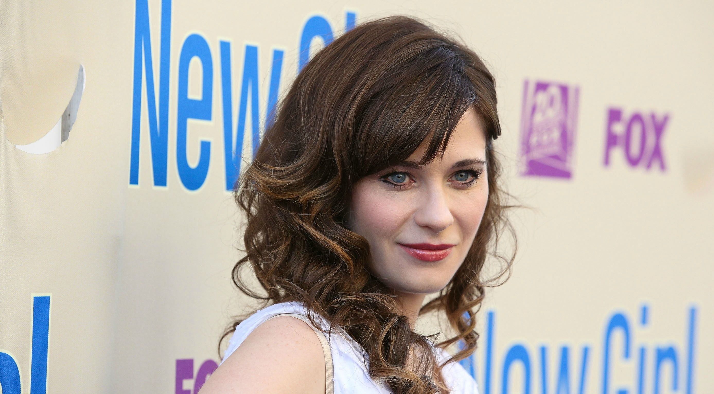 Zooey Deschanel Is Judaism\'s \'New Girl\' After Conversion – The Forward