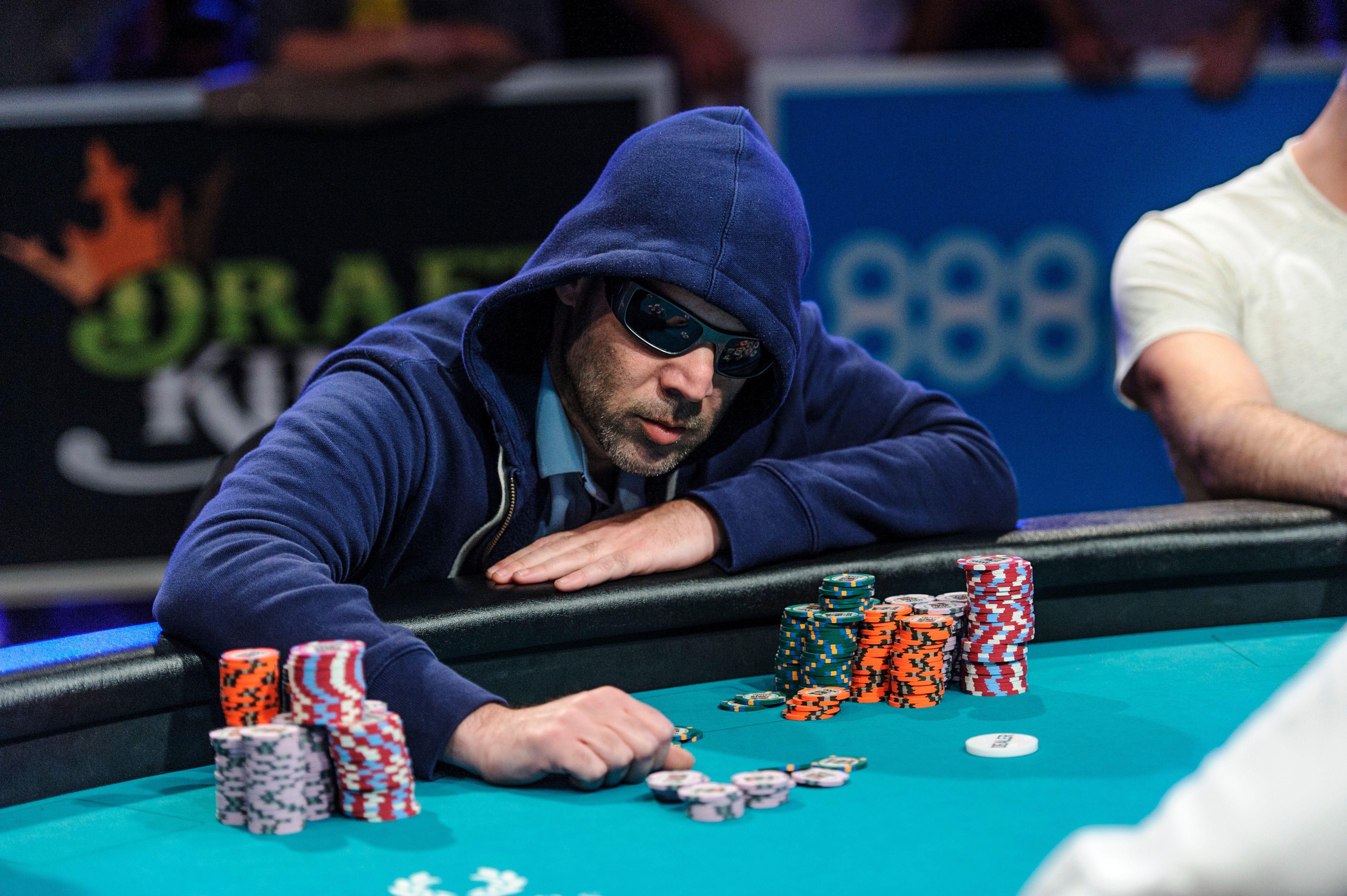 la main gagnante casino plombieres